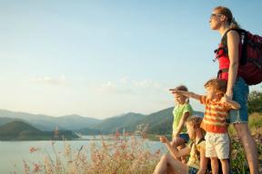 hikingfamily_summer